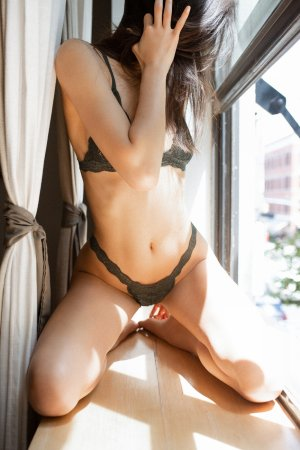 Marie-nadege escort girl in Holyoke