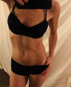 Sehriban escort girls in Brockton